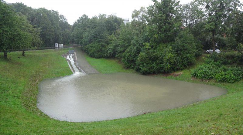 Regenrückhaltebecken